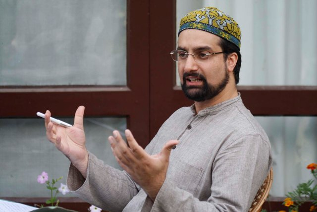 All party meeting: It is a farcical exercise says Mirwaiz