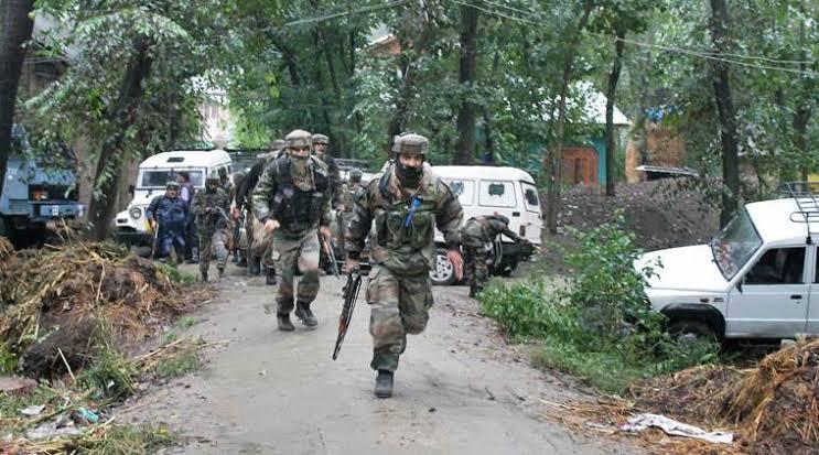 Militant killed in ongoing Srinagar gunfight