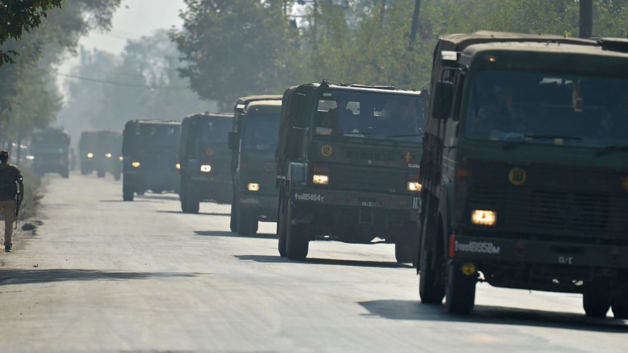 Traffic to ply from Jammu to Srinagar for 2nd day, tomorrow convoy day |  The Kashmir Press