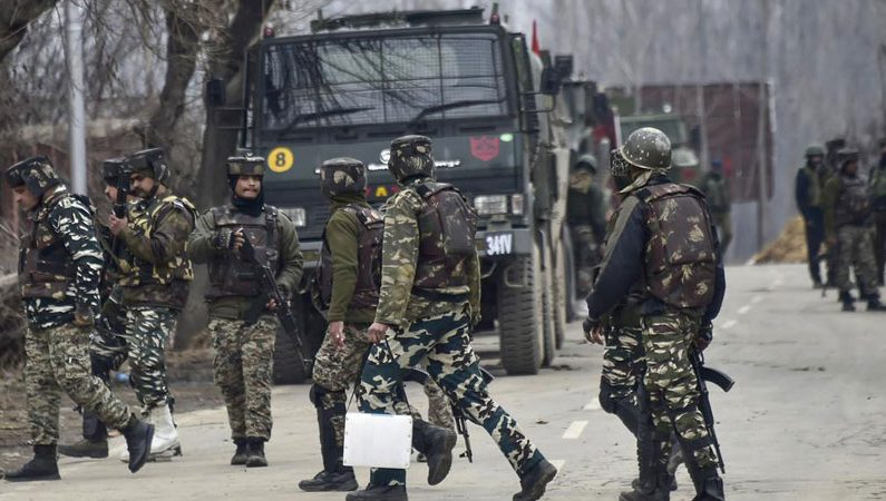 Forces resort to aerial firing in Pulwama village after locals resist thrashing of locals