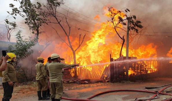 Nine Killed, 14 Injured in Massive Fire in Kabul