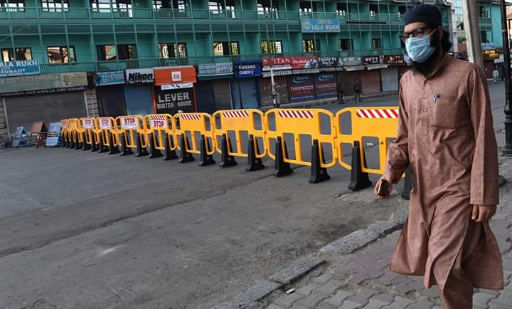 Amid surge in Covid fatalities strict restrictions ordered in 88 containment zones of Srinagar