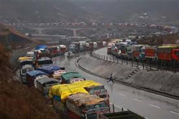 Traffic to be allowed on Saturday from Jammu towards Srinagar: Traffic Police