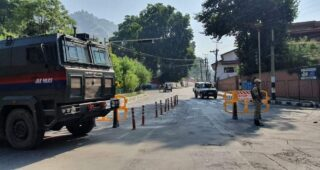 Crucial meet on Article 370 rollback scuttled as roads leading to Dr Farooq's Gupkar residence sealed