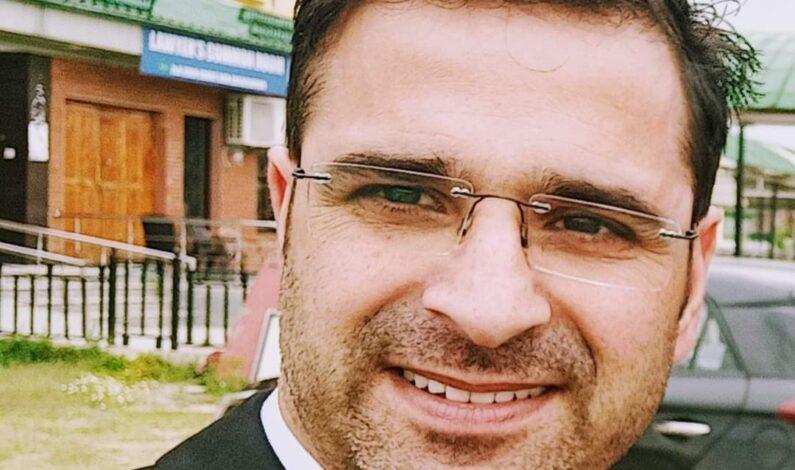 Advocate Babar Qadri shot dead in Srinagar