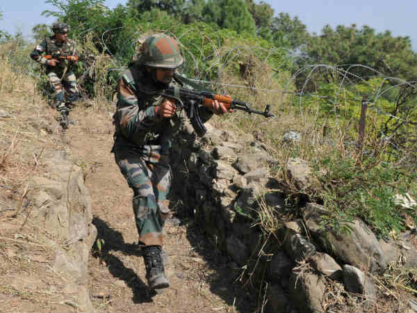 Indo-Pak forces trade gunfire along LoC in Karnah