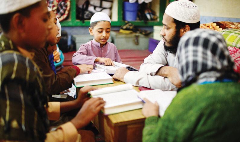 Bangladesh closes largest deobandi madrasa