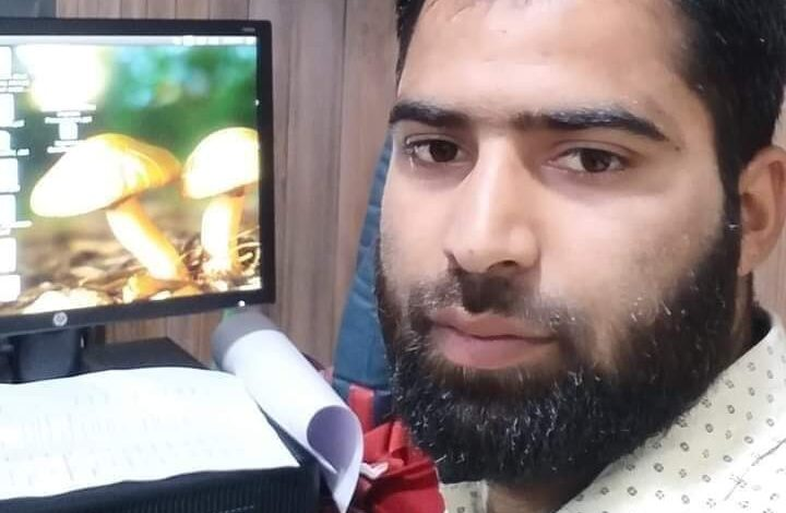 Former militant succumbs to injuries ten days after shot at in Pulwama