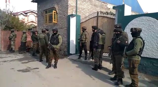 Guards deployed for protected persons asked to remain alert in Srinagar