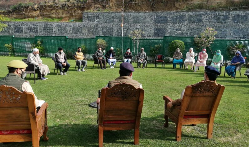 Police handover 6 'Misguided' Juvenile to their parents after proper Counselling in Budgam