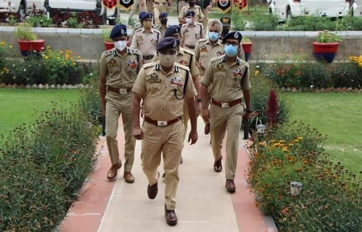 DGP visits North, South Kashmir, chairs officers meetings; reviews security scenario