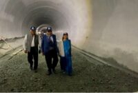 Gadkari visits Zojila, Z-Morh tunnel, directs to complete work on approaching tunnels before 2024 polls