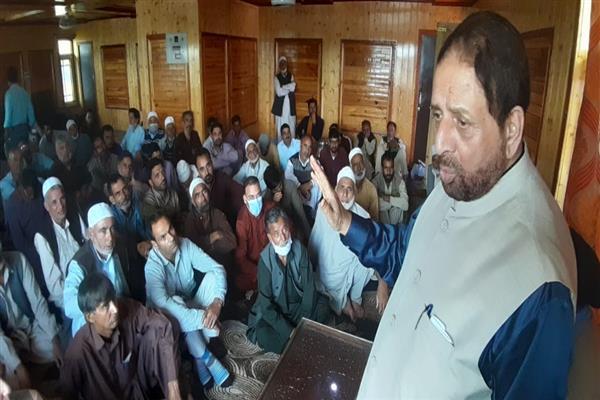 Restoration of constitutional gaurantees only way forward to regain people's trust: Hakeem Yaseen