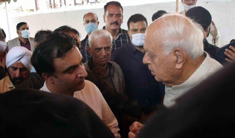 M L Bindroo was upright man, served people of Valley all his life: Farooq Abdullah